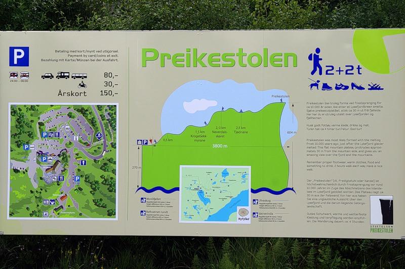 Estrada para Preikestolen.  Desenho de site