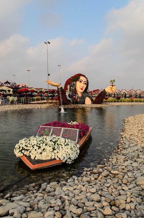 Цветочный чудо-парк в Дубае, ОАЭ. Фото