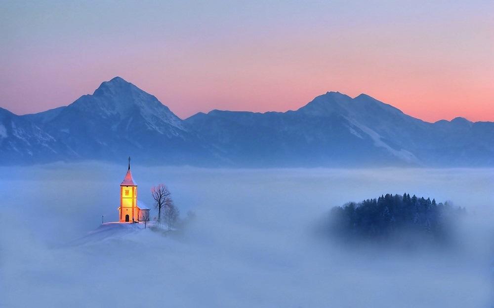 Церковь в поселении Ямник, Словения. Фото дня