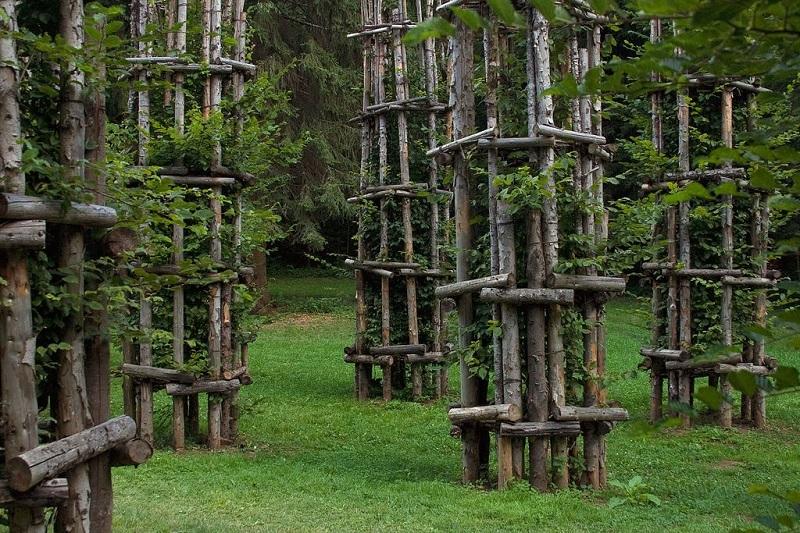 Храм из живых деревьев в Италии. Фото