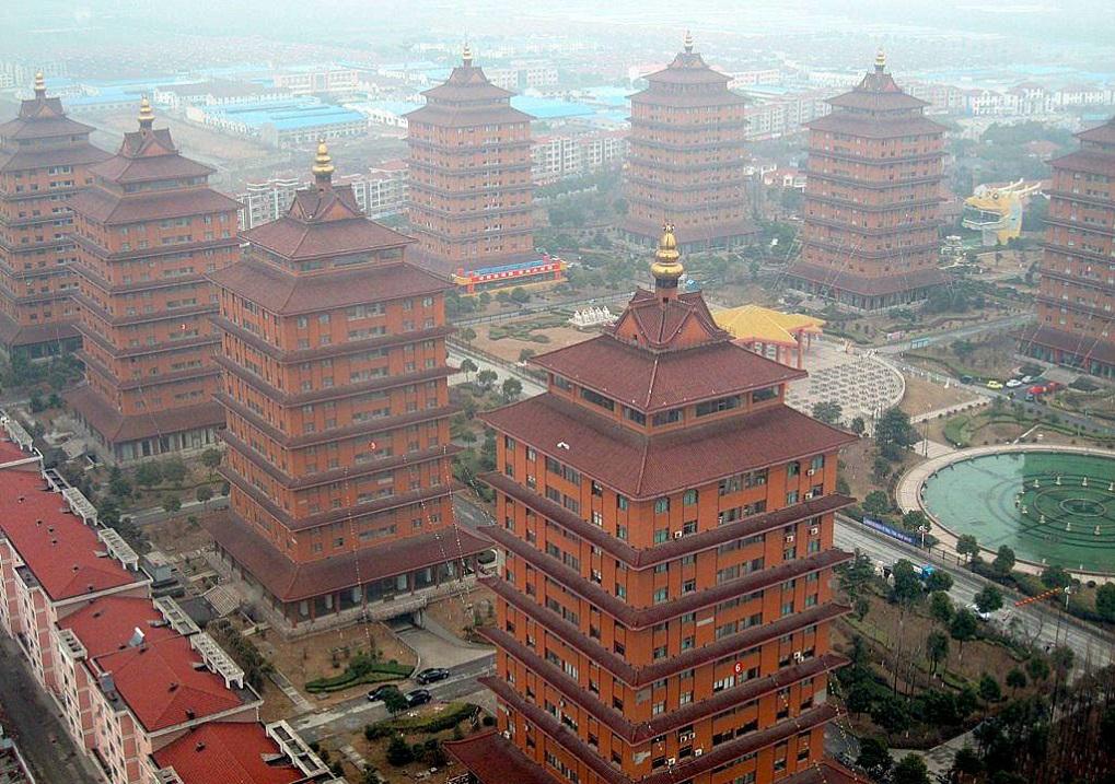 Картинки по запросу Деревня миллионеров в Китае