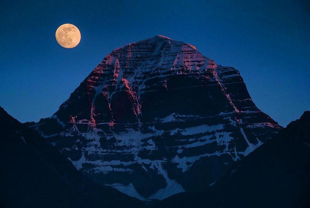 Священная гора Кайлаш в Китае, фото Священная гора Кайлас, Тибет (легенды, 29 фото, видео) Священная гора Кайлас, Тибет (легенды, 29 фото, видео) 10  D0 9A D0 B0 D0 B9 D0 BB D0 B0 D1 81 20 D0 BF D0 BE D0 B4 D0 BE D0 B1 D0 B5 D0 BD 20 D1 85 D1 80 D0 B0 D0 BC D1 83