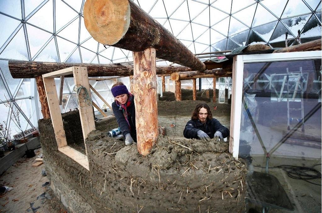Строительство экодома на севере Норвегии. Фото