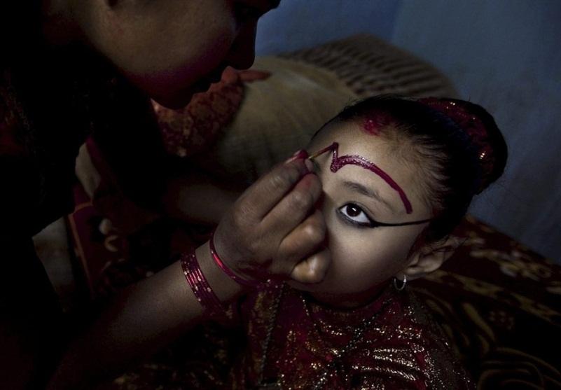 Кумари - живая богиня в Непале и Индии Кумари – живая богиня в Непале и Индии  D0 B1 D0 BE D0 B3 D0 B8 D0 BD D1 8F 20 D0 9A D1 83 D0 BC D0 B0 D1 80 D0 B8 20 D0 94 D0 B5 D0 B2 D0 B8 20 D0 9D D0 B5 D0 BF D0 B0 D0 BB 20 10