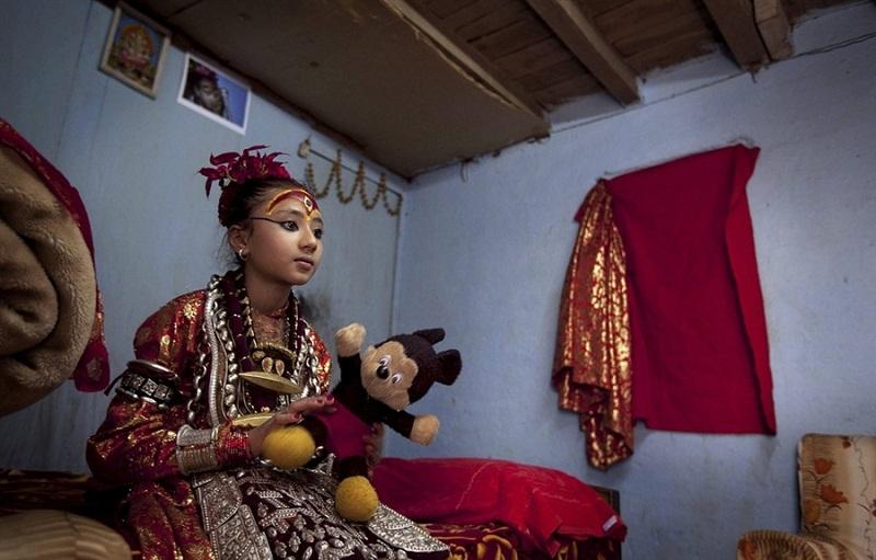 Кумари - живая богиня в Непале и Индии Кумари – живая богиня в Непале и Индии  D0 B1 D0 BE D0 B3 D0 B8 D0 BD D1 8F 20 D0 9A D1 83 D0 BC D0 B0 D1 80 D0 B8 20 D0 94 D0 B5 D0 B2 D0 B8 20 D0 9D D0 B5 D0 BF D0 B0 D0 BB 20 11