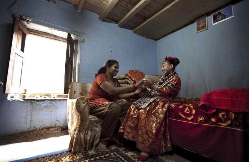 Кумари - живая богиня в Непале и Индии Кумари – живая богиня в Непале и Индии  D0 B1 D0 BE D0 B3 D0 B8 D0 BD D1 8F 20 D0 9A D1 83 D0 BC D0 B0 D1 80 D0 B8 20 D0 94 D0 B5 D0 B2 D0 B8 20 D0 9D D0 B5 D0 BF D0 B0 D0 BB 20 7
