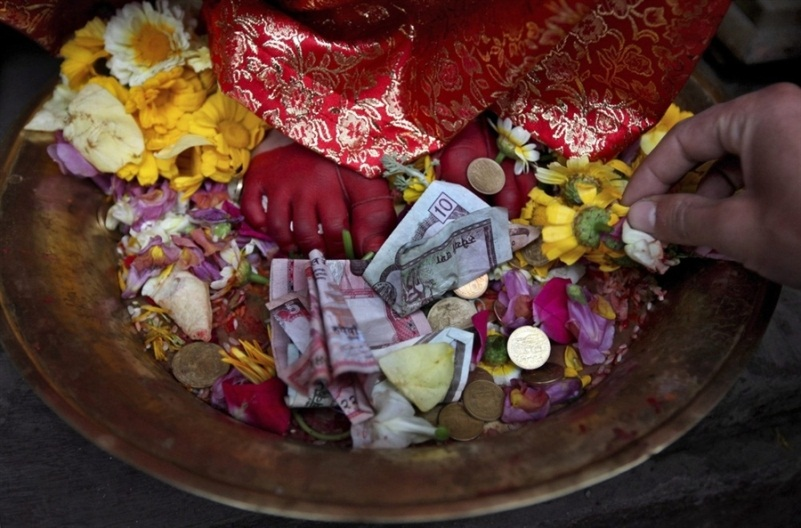 Кумари - живая богиня в Непале и Индии Кумари – живая богиня в Непале и Индии  D0 B1 D0 BE D0 B3 D0 B8 D0 BD D1 8F 20 D0 9A D1 83 D0 BC D0 B0 D1 80 D0 B8 20 D0 94 D0 B5 D0 B2 D0 B8 20 D0 9D D0 B5 D0 BF D0 B0 D0 BB 20 8