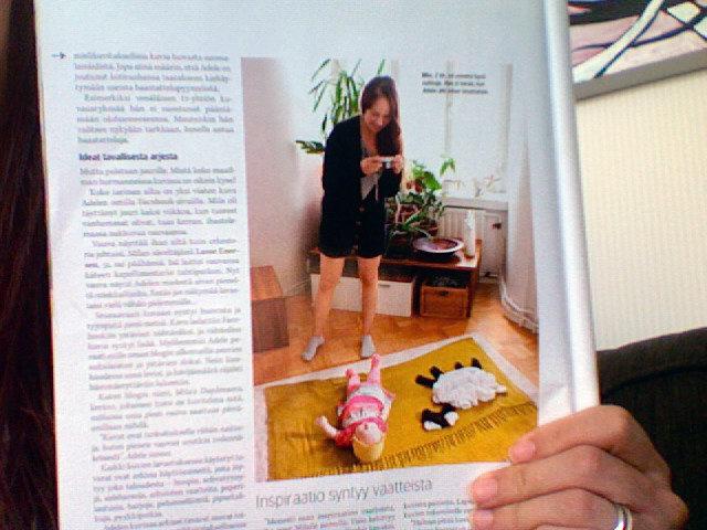 Адель Энерсен фотографирует дочку Милу. Фото