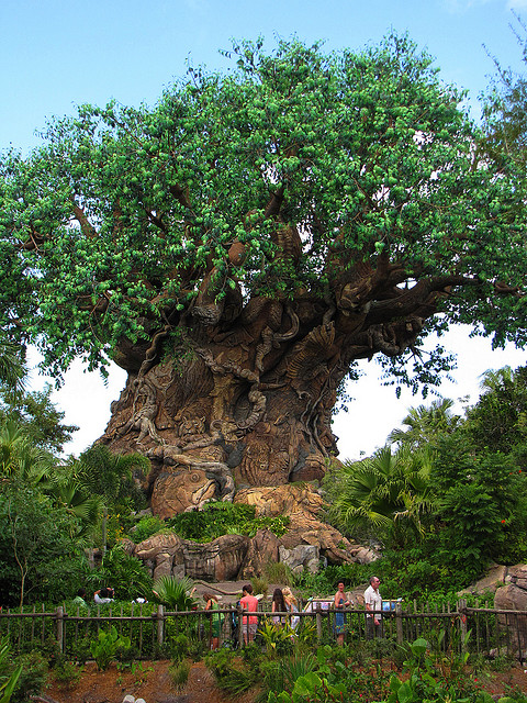 Дерево Жизни в Диснейленде во Флориде. Фото