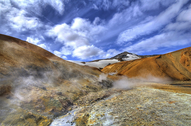 Долина гейзеров Хверадалир. Фото