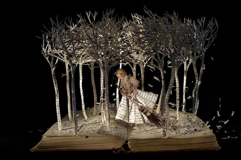 Скульптуры из книг от Сью Блэквелл. Фото