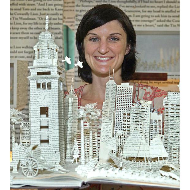 Сью Блэквелл и ее бумажные творения. Фото