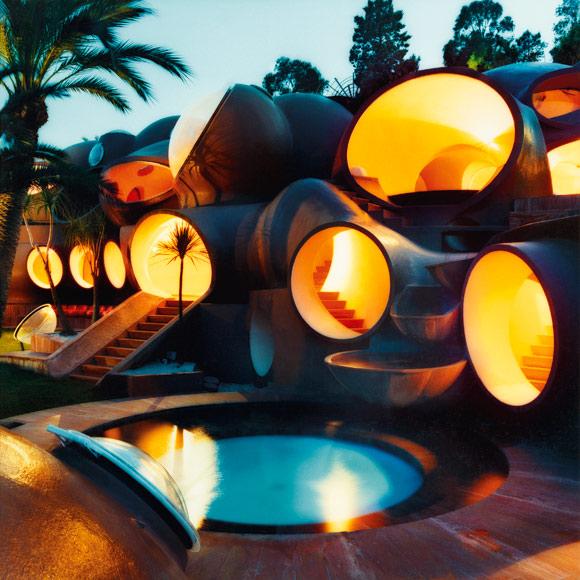 Пузырчатый дом Пьера Кардена. Фото / Pierre Cardin's Bubble House. Photo