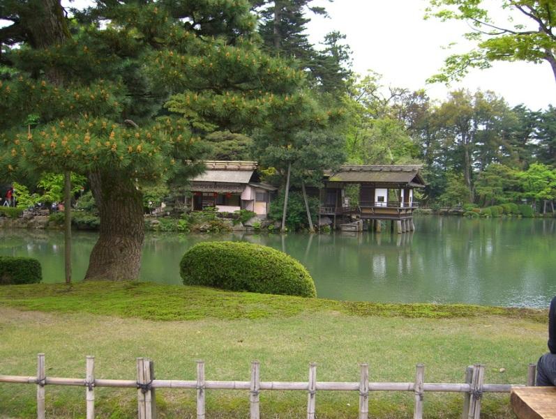 Японский парк Кераку-эн весной. Май. Фото