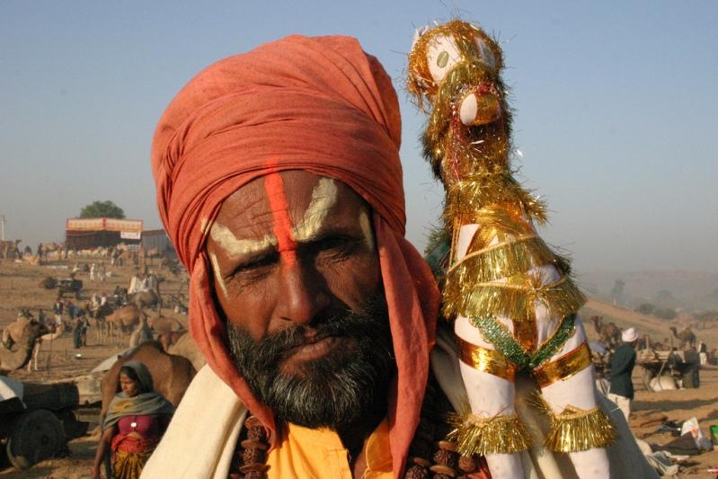 Индия в лицах. Мужчина на ярмарке верблюдов. Фото