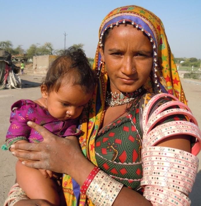 Индия в лицах. Мать и дитя - кочевники. Фото