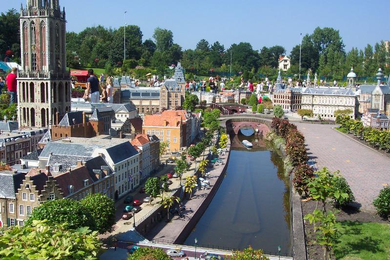 Часть Амстердама в миниатюре. Парк Мадюродам. Фото