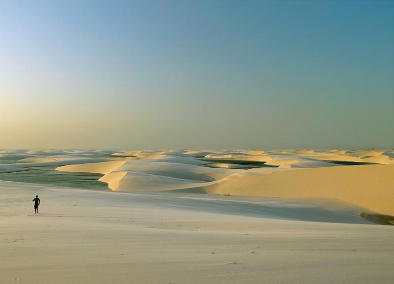 Пустыня Ленсойс Мараньенсес в Бразилии. Фото