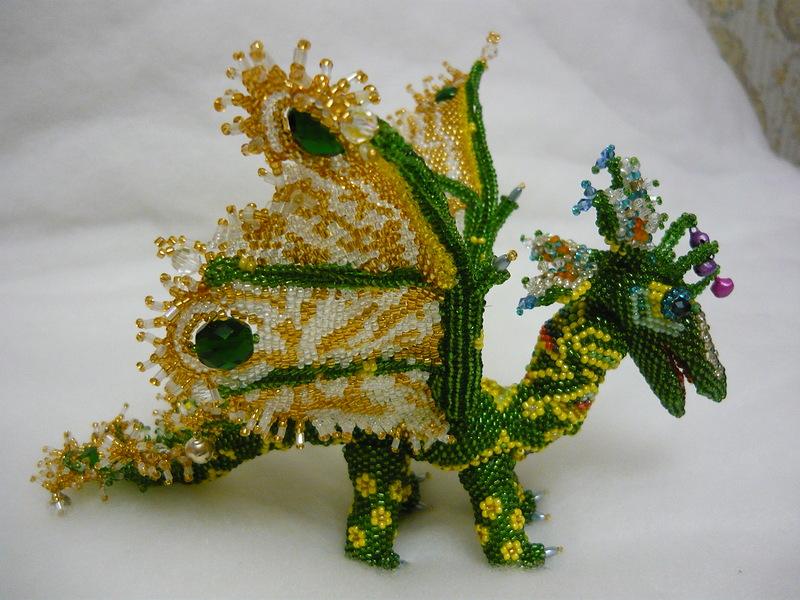 Объёмные фигура из бисера схемы.  Гадание на воске получившиеся фигура дракона.