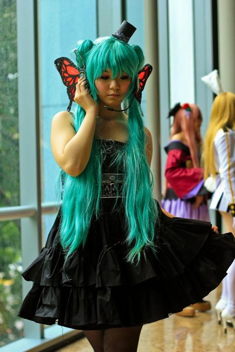 Косплей-костюмы. Красивая девушка. Фото