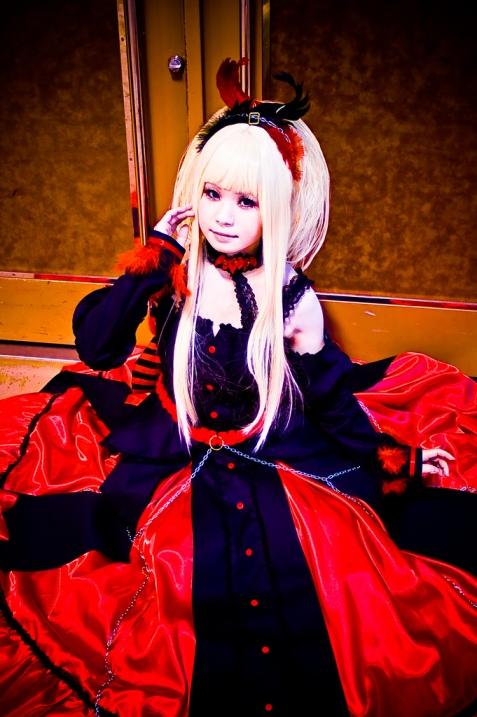 Косплей-костюмы. Красивая японка. Фото