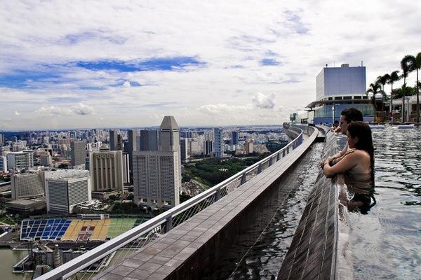 Уникальный отель Марина Бэй Сэндс в Сингапуре. Фото