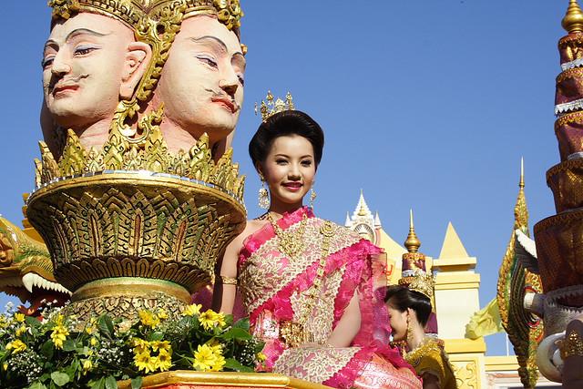 Празднование Нового года в Таиланде. Конкурс красоты. Фото