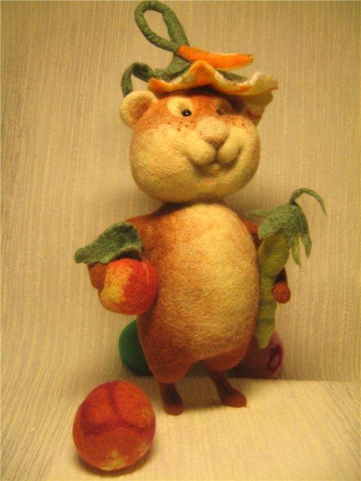 Войлочный кот-овощевод. Фото