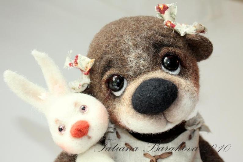 Войлочные игрушки - щенок и крольчонок. Фото