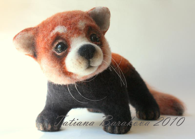 Войлочная игрушка - красная панда. Фото
