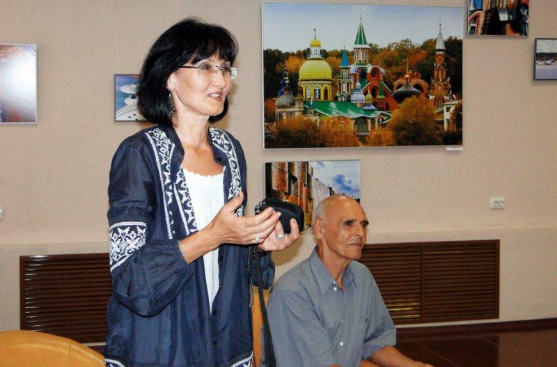 Ильдар Ханов с женой Раузой Султановой. Фото