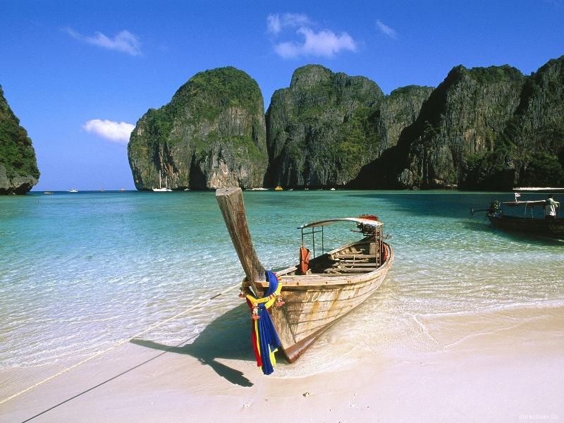 Бухта Майя-Бэй на острове Пхи-Пхи-Лей. Фото