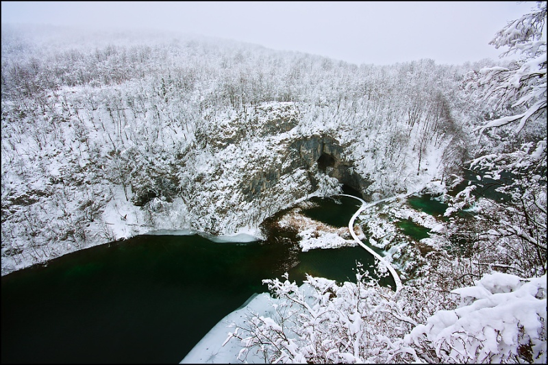 Национальный парк Плитвицкие озера (Хорватия) зимой. Фото / Plitvice Lakes National Park. Photo