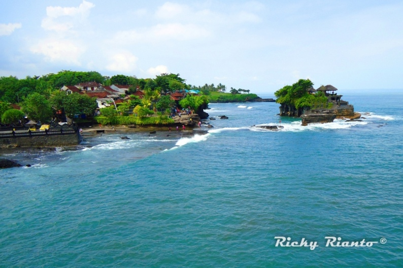 Храм Пура Танах Лот (Бали, Индонезия). Фото / Tanah Lot temple. Photo