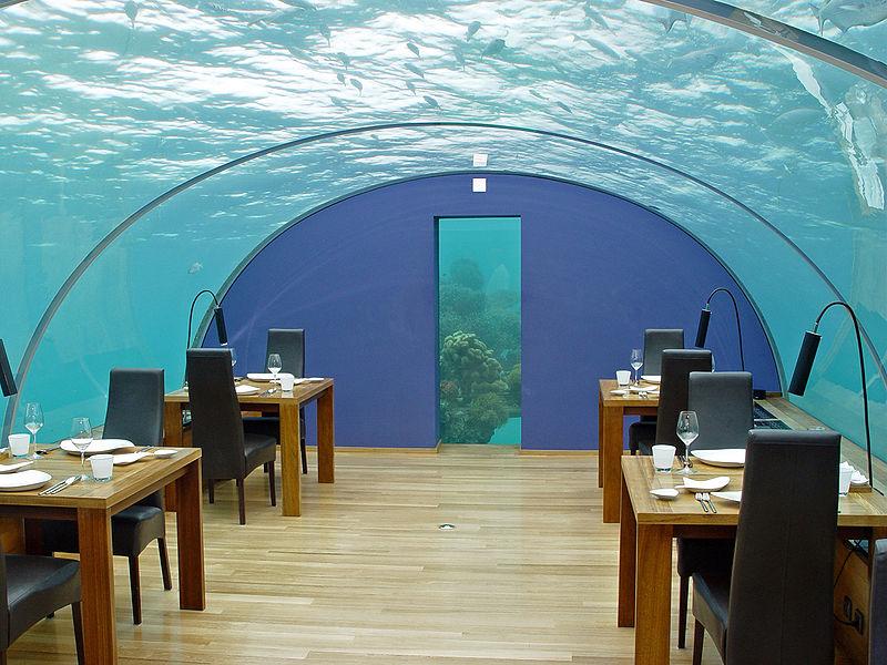Подводный ресторан на Мальдивах. Фото
