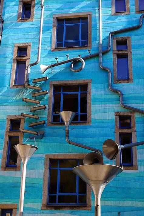 Поющий дом в Дрездене. Германия. Фото