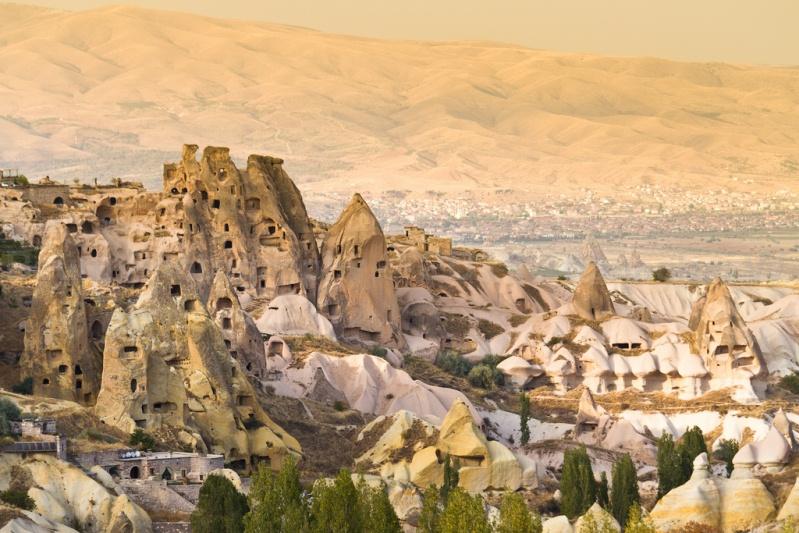 Городок Учхисар в Каппадокии. Турция. Фото