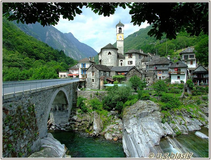 Река Верзаска в Швейцарии - самая прозрачная в мире. Фото