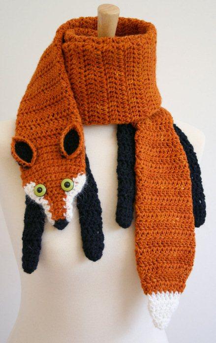 Вязаный шарф-лиса. Фото