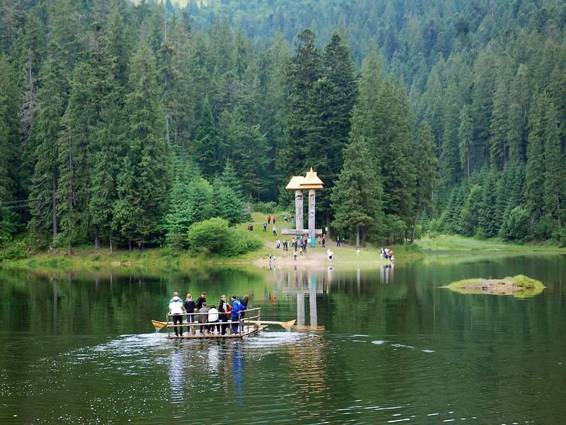 Озеро Синевир. Украинские Карпаты. Фото
