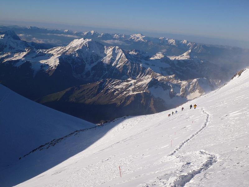 горы Кавказа: Эльбрус. фото