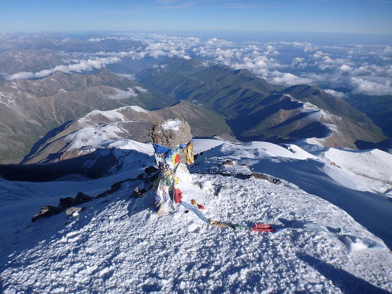 вершина горы Эльбрус фото