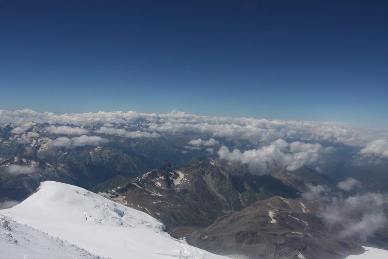вид с вершины Эльбруса фото