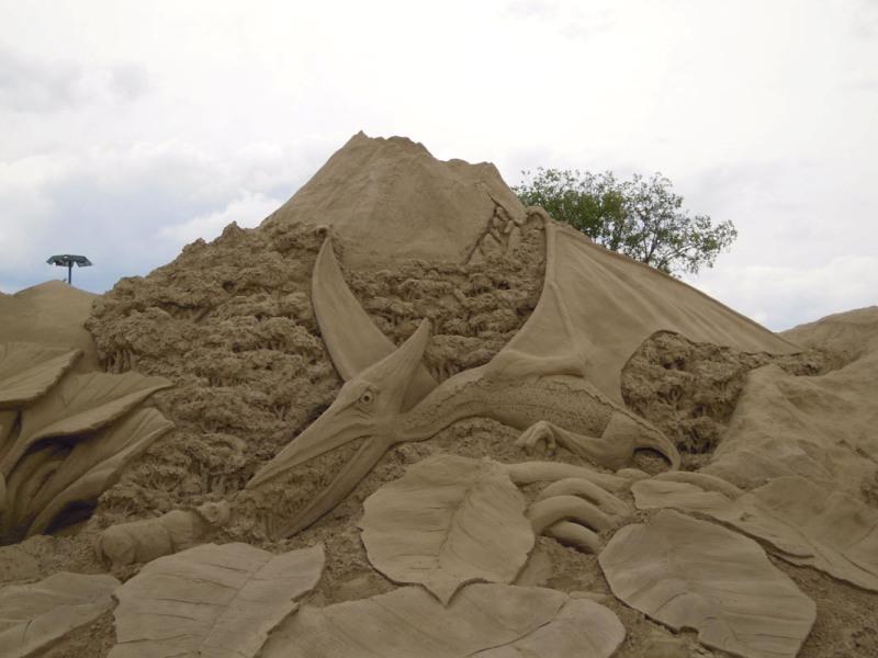 Птеранодон. скульптура из песка, Лаппеенранта, Финляндия. фото