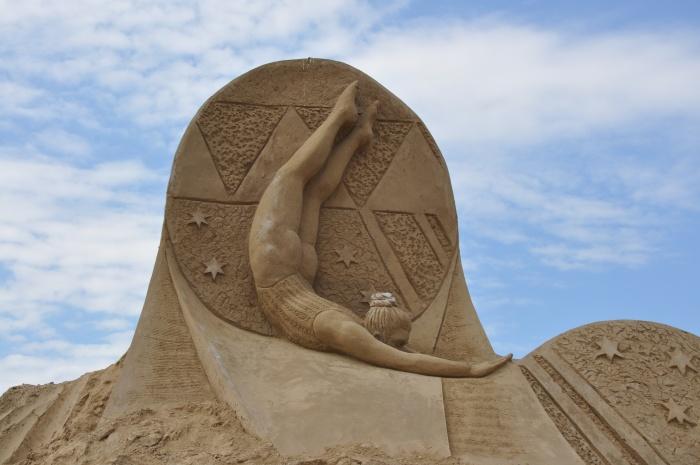 Спортсменка. скульптура из песка, Лаппеенранта, Финляндия. фото