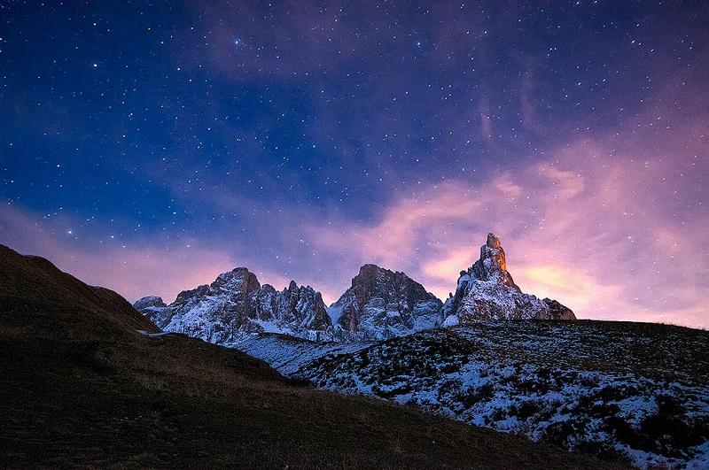 Доломитовые Альпы ночью. Фото