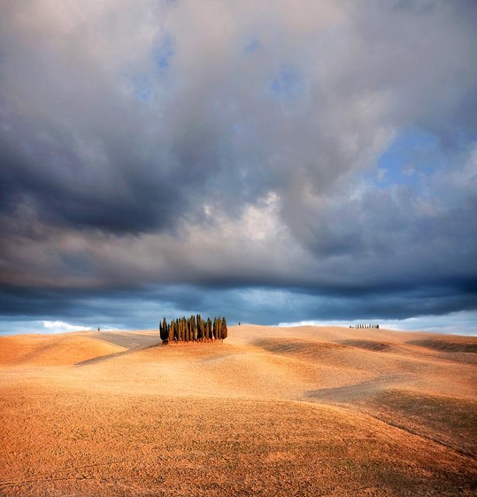 Живописные поля Тосканы. Италия. Фото