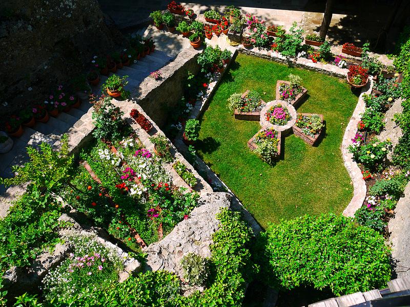 Монастыри Метеоры. Греция. Внутренний дворик