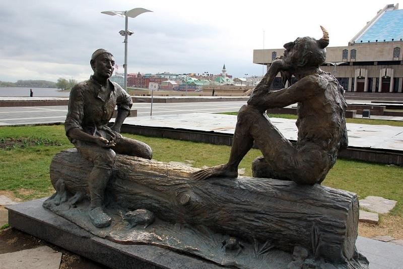 Скульптура в Казани - загадки Шурале. Фото