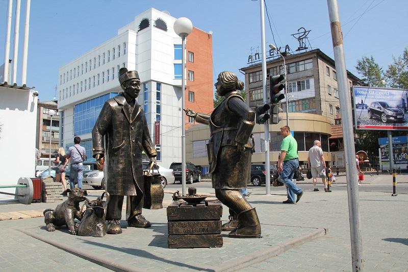 Скульптура Покупатель и продавец в Новосибирске. Фото